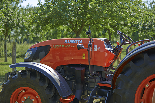 Agricultural tractors M6060 DTH/DTHQ - KUBOTA